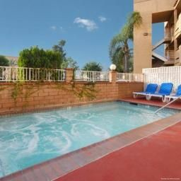 Piscina Comfort Inn Norwalk