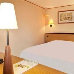 Room CAMPANILE VICHY  Bellerive sur Allier