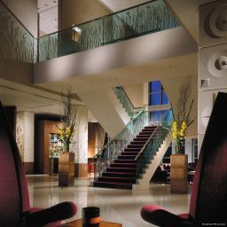 Hall Four Seasons London at Canary Wharf