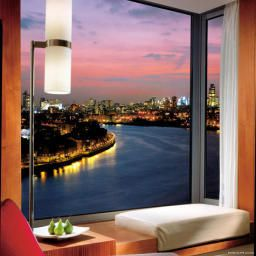 Room Four Seasons London at Canary Wharf