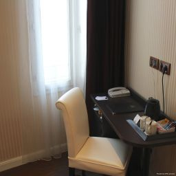 Room BEST WESTERN Empire Elysees