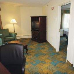 Suite La Quinta Inn & Suites Boston Somerville