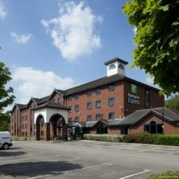 Vista exterior JCT.13 Holiday Inn Express STAFFORD M6