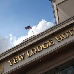 Фасад Best Western Premier Yew Lodge