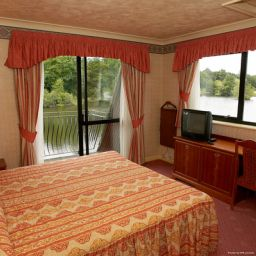 Chambre Lakeside International