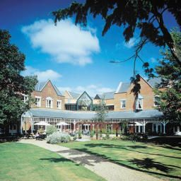 Vista exterior Coulsdon Manor Hotel and Golf Club