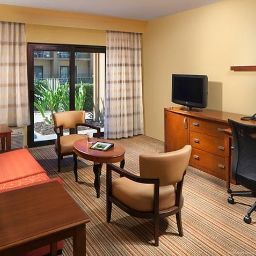 Номер Courtyard Orlando Airport