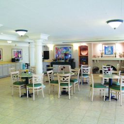 Restaurant La Quinta Inn Norfolk Hampton