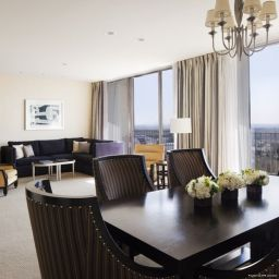 Suite Hyatt Regency Century Plaza