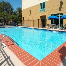 Pool Comfort Suites Perimeter Center