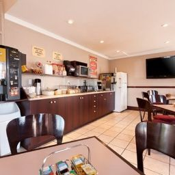 Restauracja Econo Lodge Brossard
