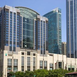 Exterior view Embassy Suites Hotel Chicago-Downtow