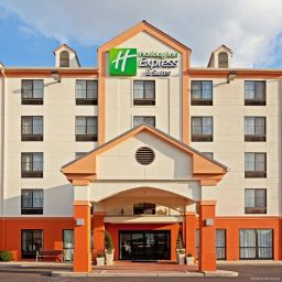 Фасад Holiday Inn Express & Suites MEADOWLANDS AREA