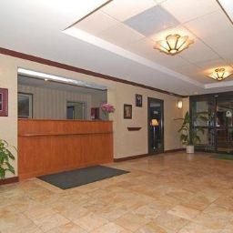 Hall Quality Inn & Suites Biltmore South