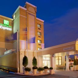 Vista esterna Holiday Inn Express LAGUARDIA ARPT