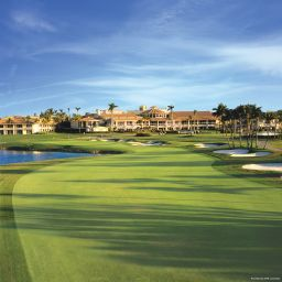 Фасад Doral Golf Resort & Spa
