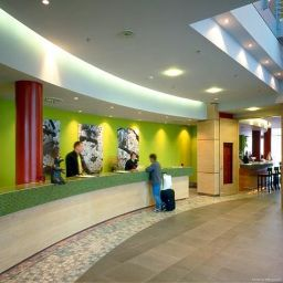 Hall Courtyard by Marriott Berlin Mitte