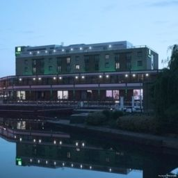 Фасад Holiday Inn LONDON - BRENTFORD LOCK