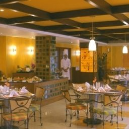 Restaurant Haridwar Country Inn & Suites By Carlson