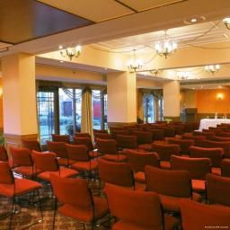 Conference room Haridwar Country Inn & Suites By Carlson