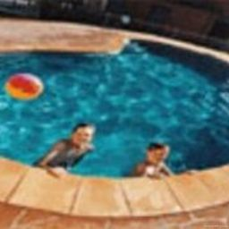 Pool Quest Tamworth Serviced Apts