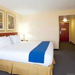 Pokój Holiday Inn Express Hotel & Suites BUFFALO-AIRPORT