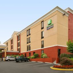 Außenansicht Holiday Inn Express FAIRFAX - ARLINGTON BOULEVARD