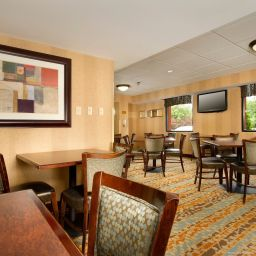 Restaurant Holiday Inn Express FAIRFAX - ARLINGTON BOULEVARD