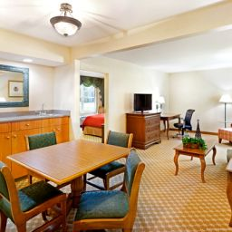 Suite PA  York Country Inn & Suites By Carlson
