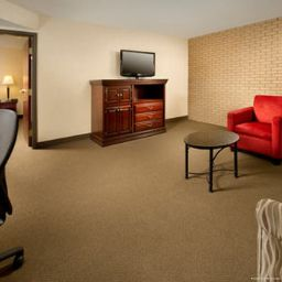 Suite Drury Inn and Suites Columbus NW