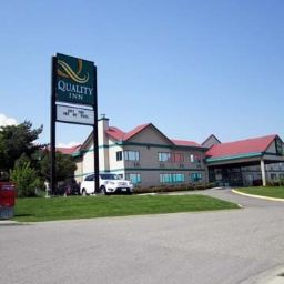 Vista exterior Quality Inn Kamloops