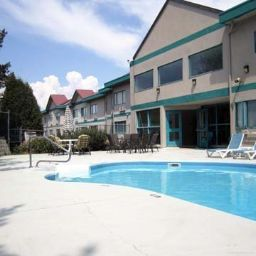 Piscina Quality Inn Kamloops