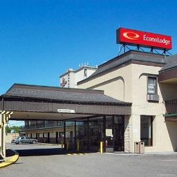 Exterior view Econo Lodge Newark International Airport