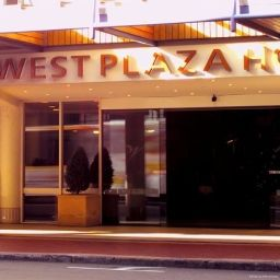 Vista exterior West Plaza Hotel