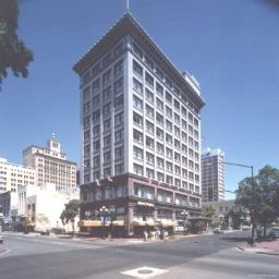 Gaslamp Plaza Suites
