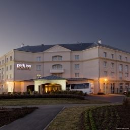 Фасад Park Inn Paris By Radisson Charles de Gaulle Airport