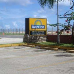 Vista esterna Days Inn Guam Airport S