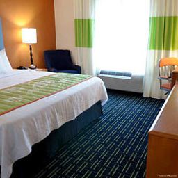 Номер Fairfield Inn & Suites Portland North Harbour
