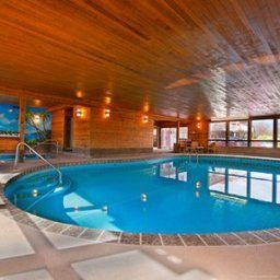 Pool Econo Lodge Kelowna