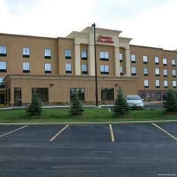 Exterior view Hampton Inn  Suites ClevelandMentor