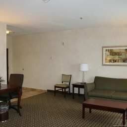 Room Hampton Inn  Suites ClevelandMentor