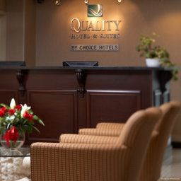 Hall Quality Hotel & Suites Langley