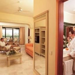 Suite Grand Palladium Colonial Res.