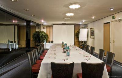 Wyndham_Garden_ex_Grand_City_Berlin-Hamburg-Conference_room-414.jpg
