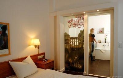 Prinzregent-Nuremberg-Room-4-5091.jpg