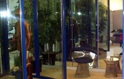 Koenigswache-Muenchen-Hotelhalle-2-6264.jpg