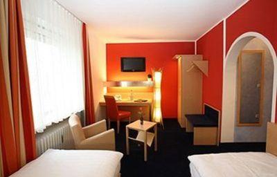 Silberhorn_Landhotel-Nuremberg-Room-2-6826.jpg