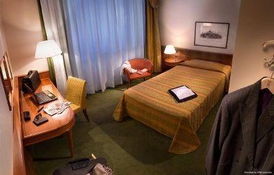 Cavour-Milan-Single_room_standard-1-25458.jpg
