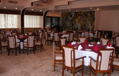 Everest_Hotel-Kathmandu-Restaurant-2-35417.jpg