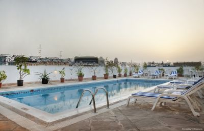 Бассейн Holiday Inn DUBAI - DOWNTOWN DUBAI Dubai (Dubayy)